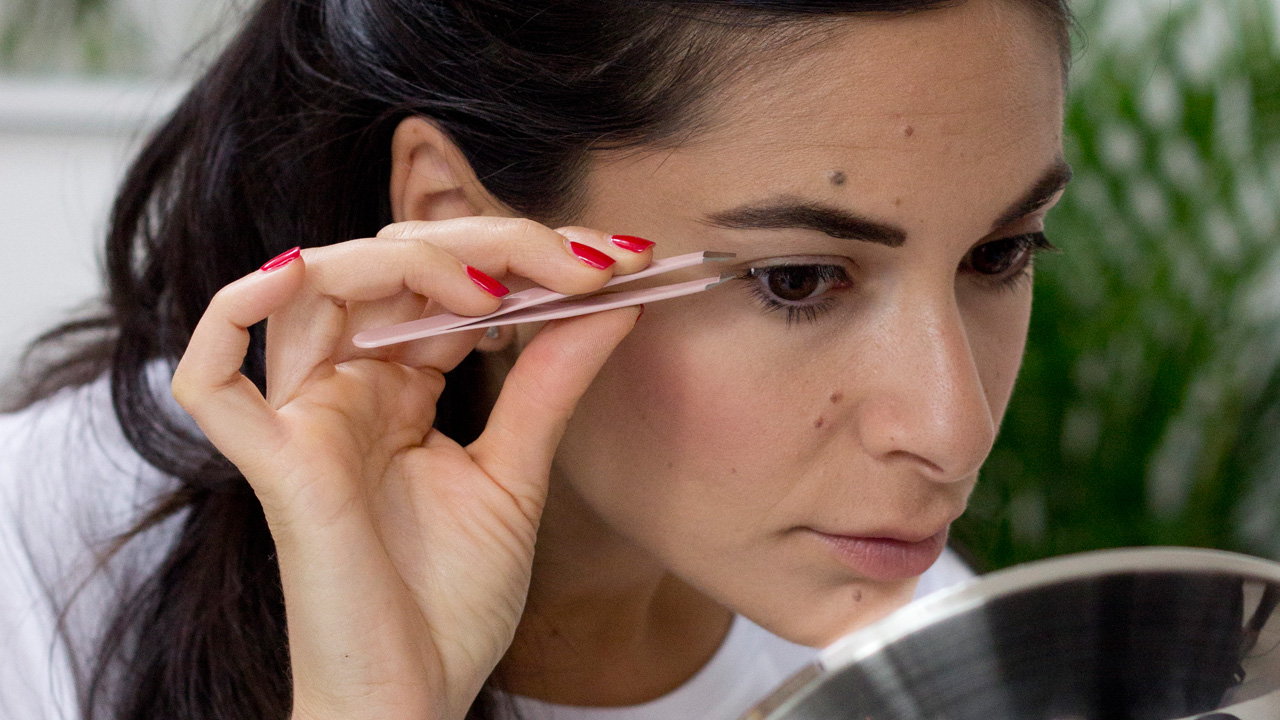 How To Apply Individual False Lashes