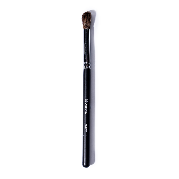 morphe-m200-deluxe-crease-brush