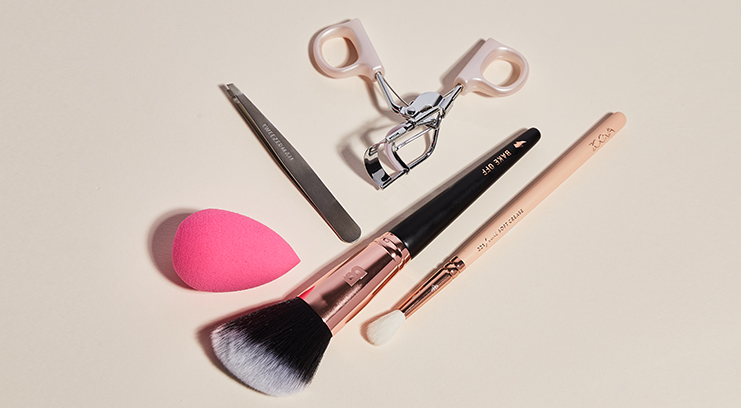 6 Essential Makeup Tools And How To